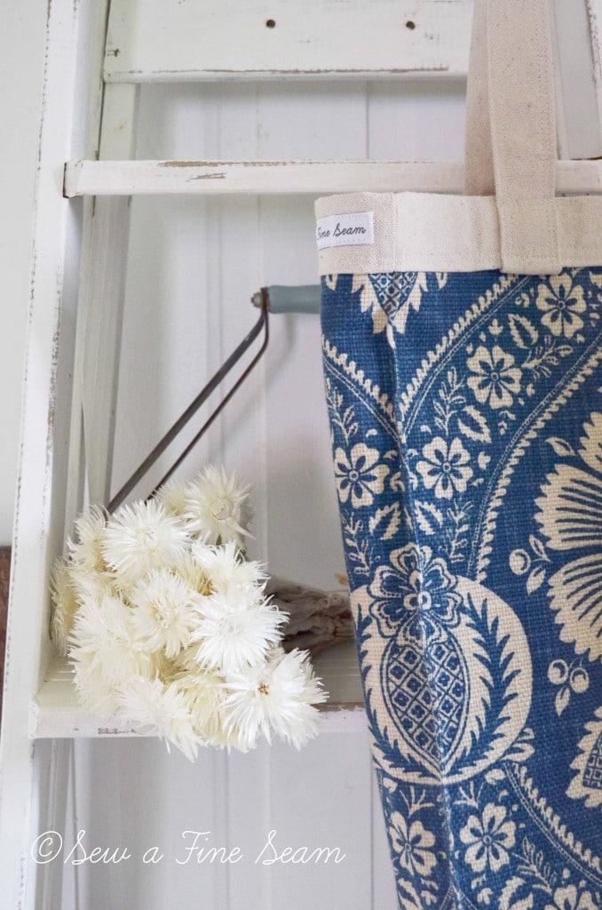 blue and cream handbag 6