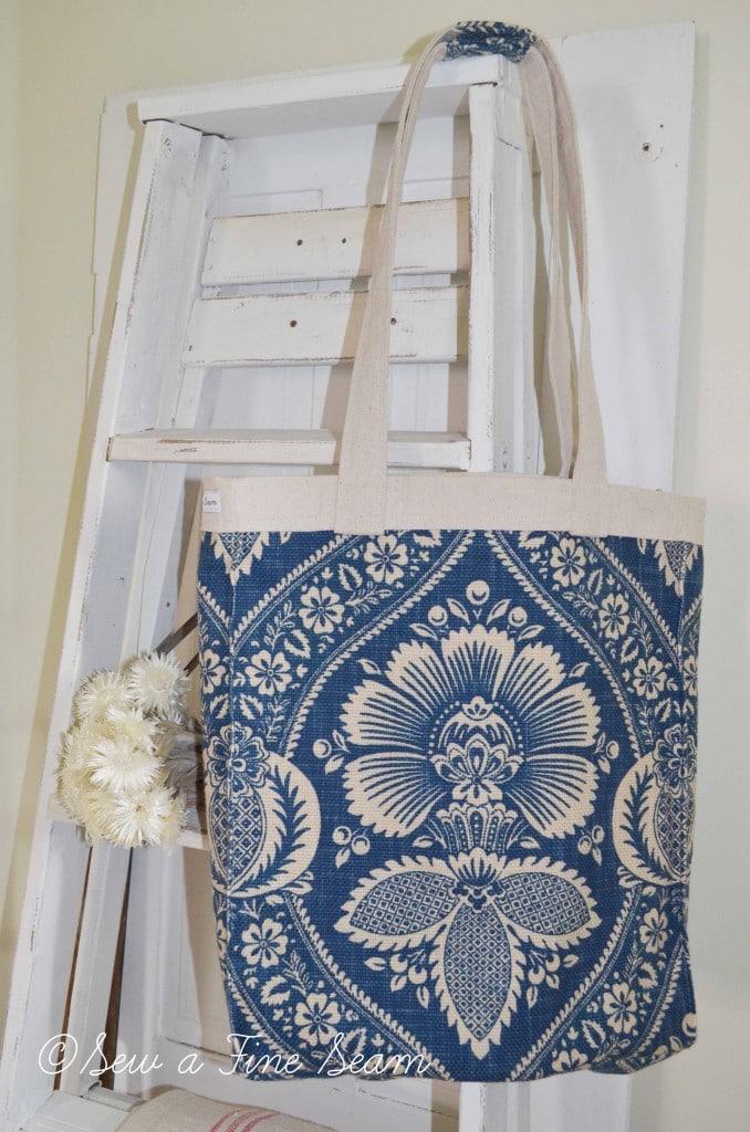 blue and cream handbag 7