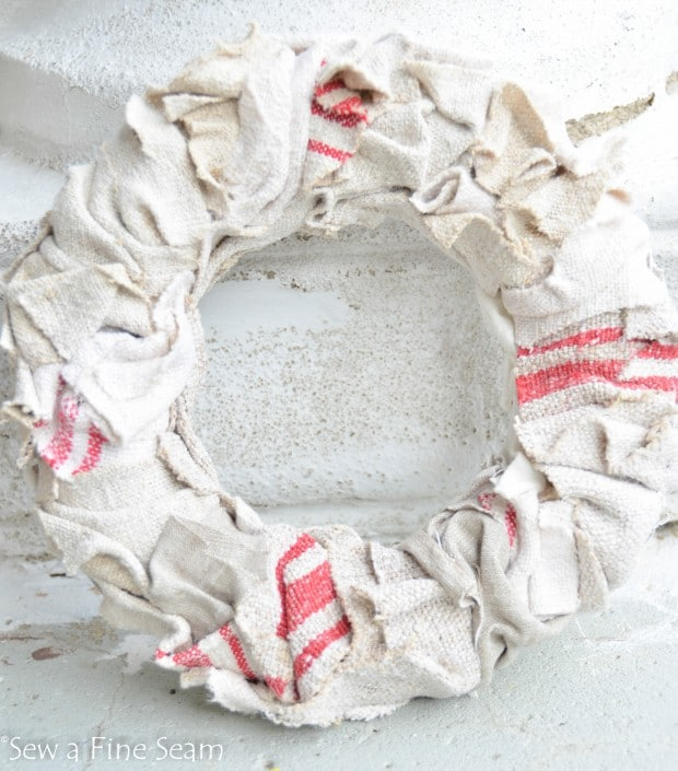 grain sack wreath (4 of 5)