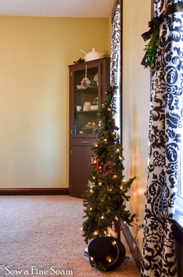Angies Christmas Decor-15