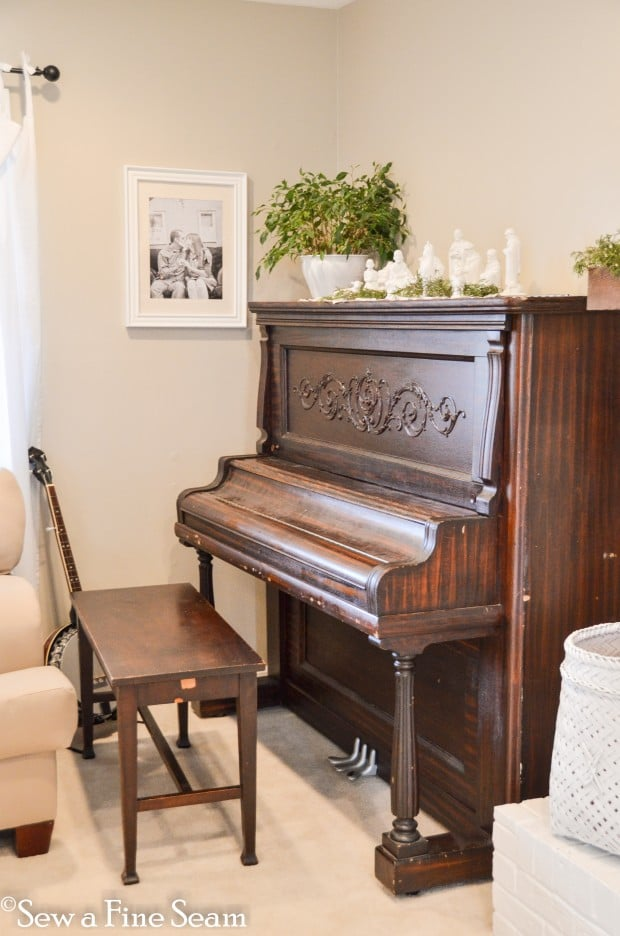 milk painted piano-1