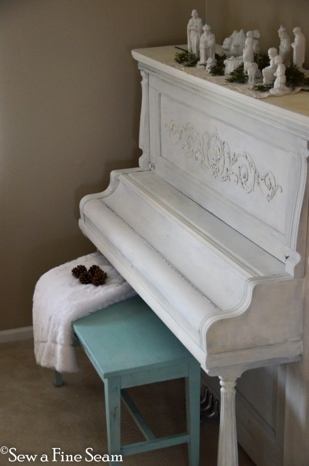 milk painted piano-12