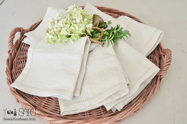 hemstitched napkins using linen fabric