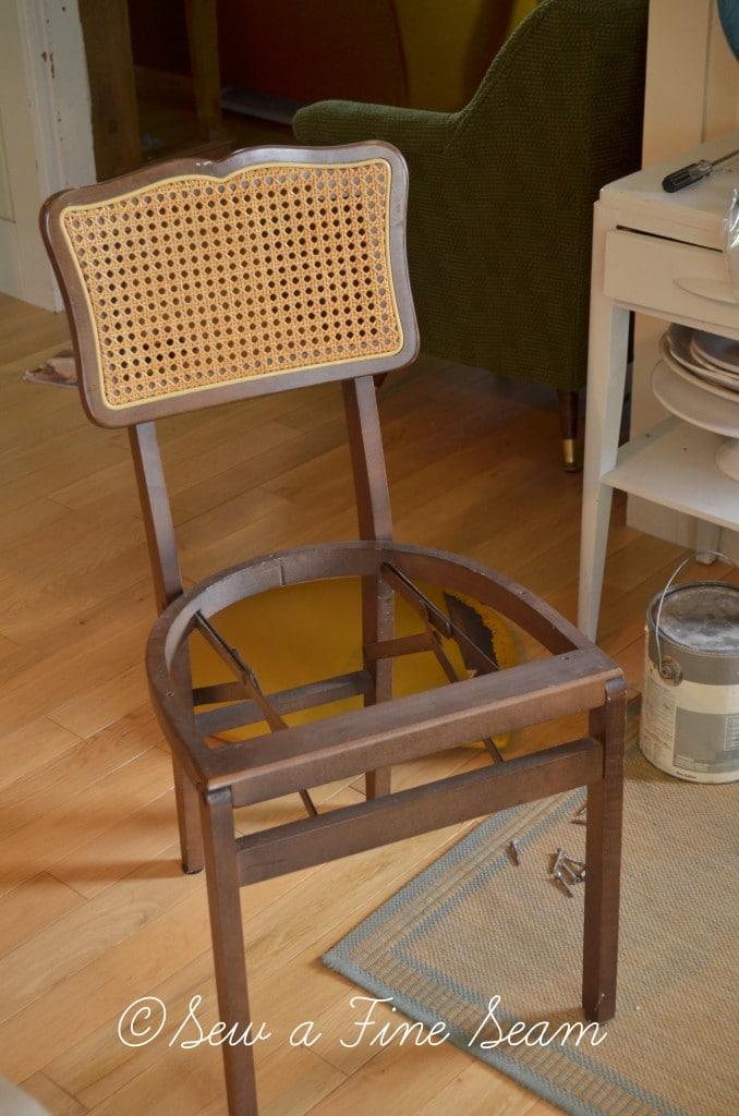 folding chairs 1
