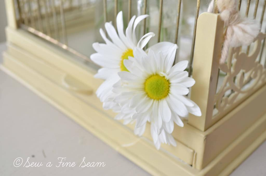 bird cage with daisys 2