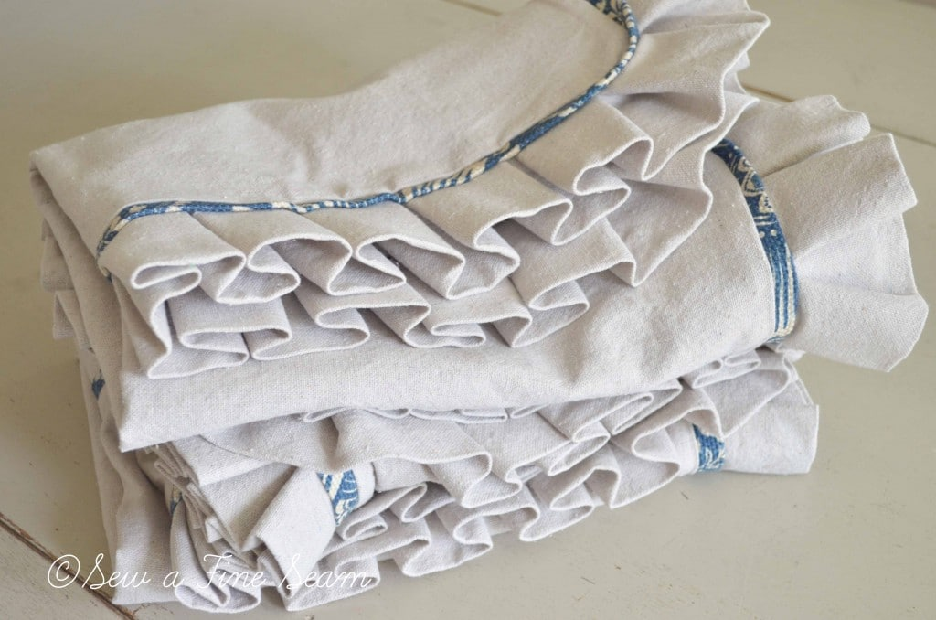 blue and cream handbag 9