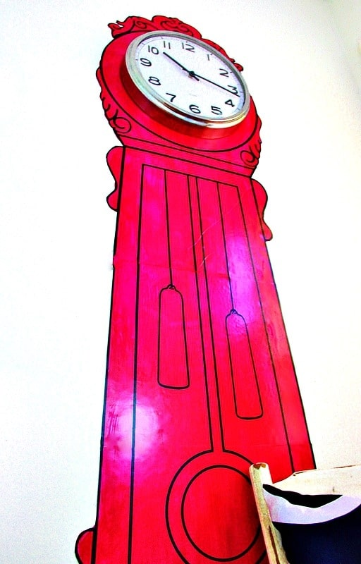 painted-clock-on-the-wall