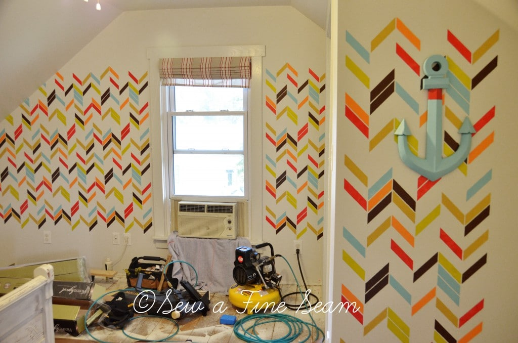 stenciled wall 15
