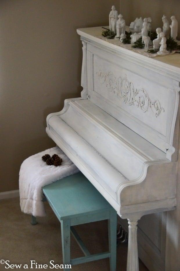 milk painted piano-12