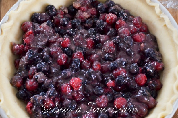 cherry-blueberry pie-4