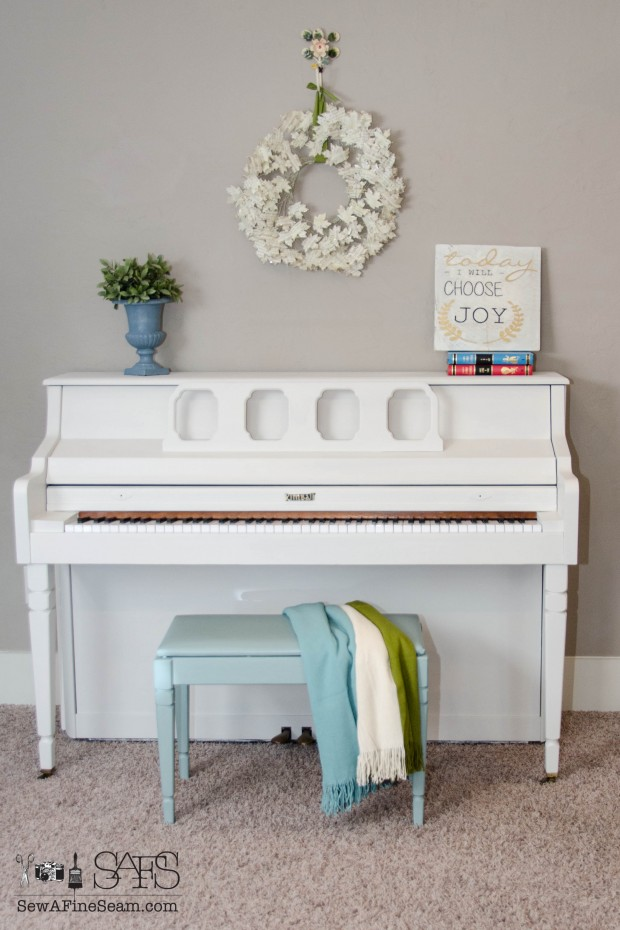piano painted with Fusion (5 of 14)