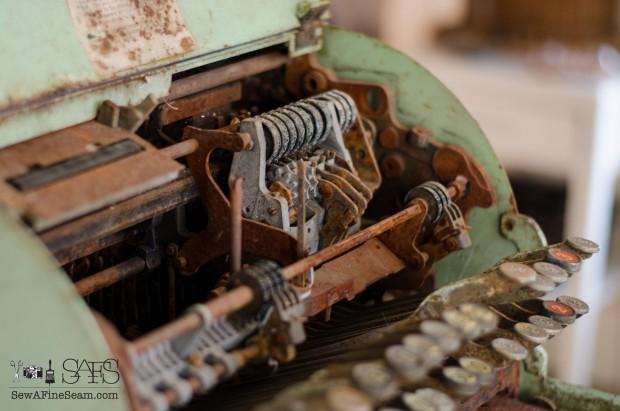 vintage cash register (7 of 8)