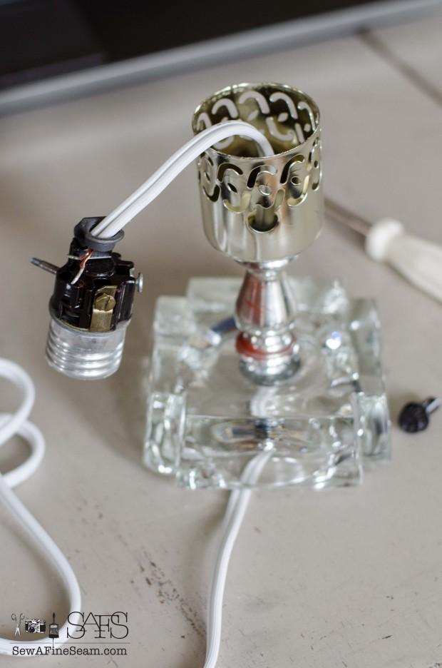 Rewiring a lamp (16 of 23)