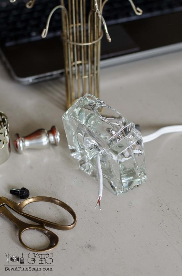 Rewiring a lamp (4 of 23)