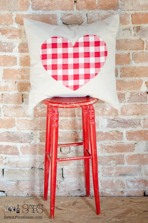 sew a fine seam pillows-12
