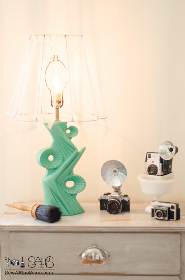 vintage lamp makeover - from ugly to fun and unique!