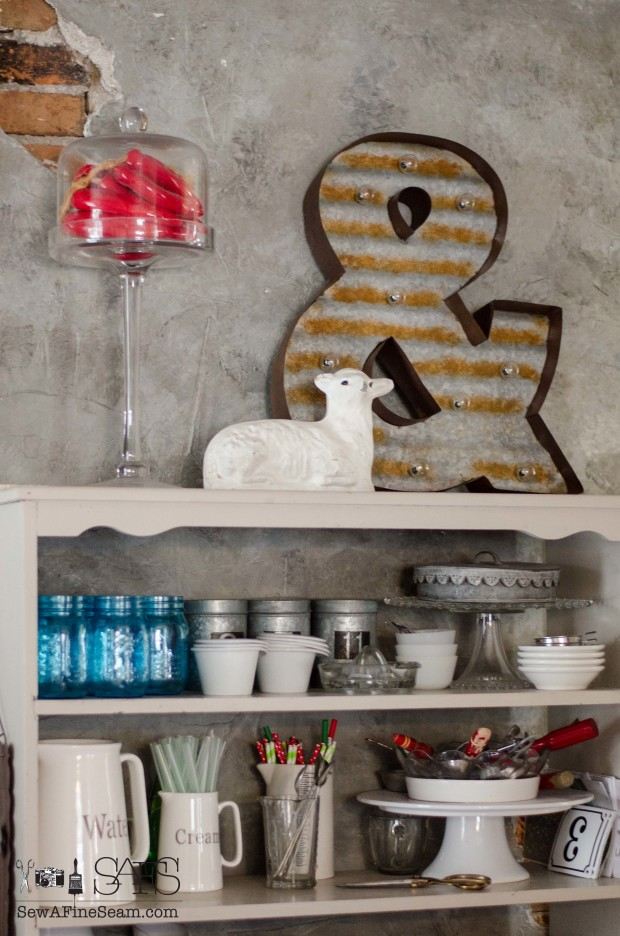 decor steals lighted ampersand - fall decor