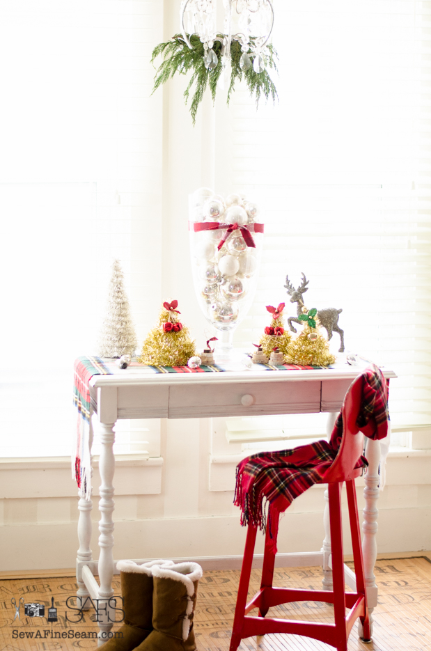 create christmas trees from dollar store items